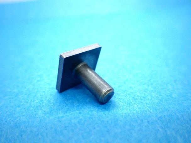四角ボルト