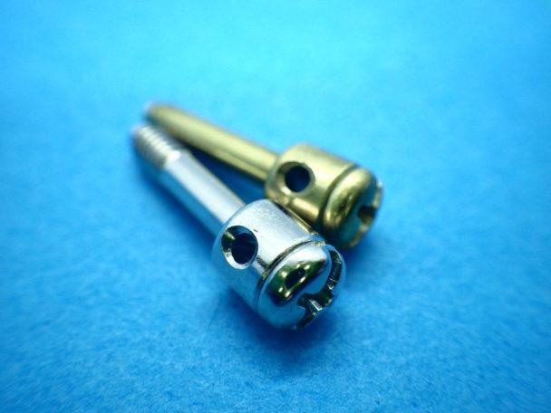 飾りネジ(化粧ネジ)の事例②:真鍮封印ネジ(横穴付き)